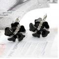黑色花瓣耳环
